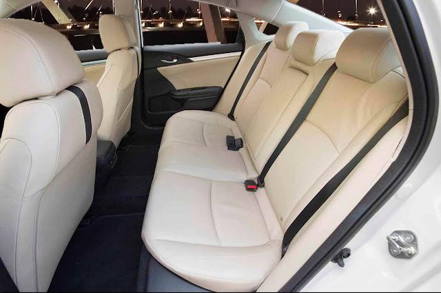 Novo Honda Civic 2017 Brasil - interior - espaço traseiro