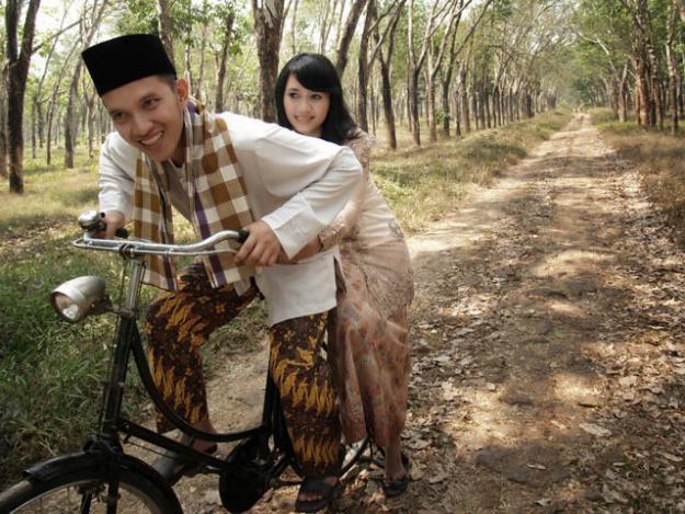 DEKORASI PERNIKAHAN: Jasa foto pra wedding Murah