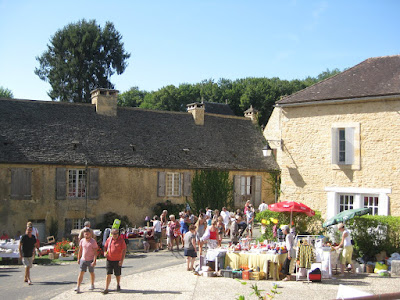 Vide Grenier Saint Genies, Dordogne, Perigord