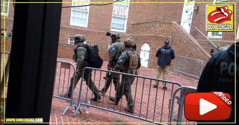 Policías desalojaron a las últimas Femi-nazis de la embajada de Venezuela en Washington