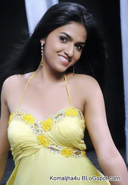 Actress Sunaina Full Size Photos 2017