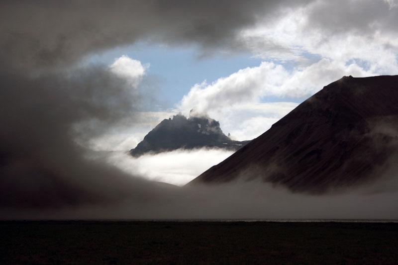 Гора Два брата над Кетачаном Камчатка