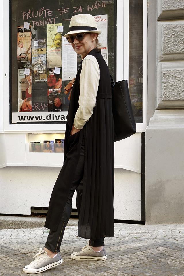 Abrakadabra... a je bleskový outfit!