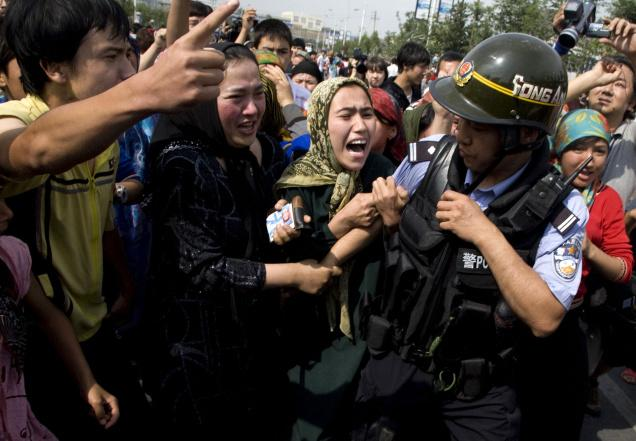 Pemerintah China Larang Jenggot dan Cadar
