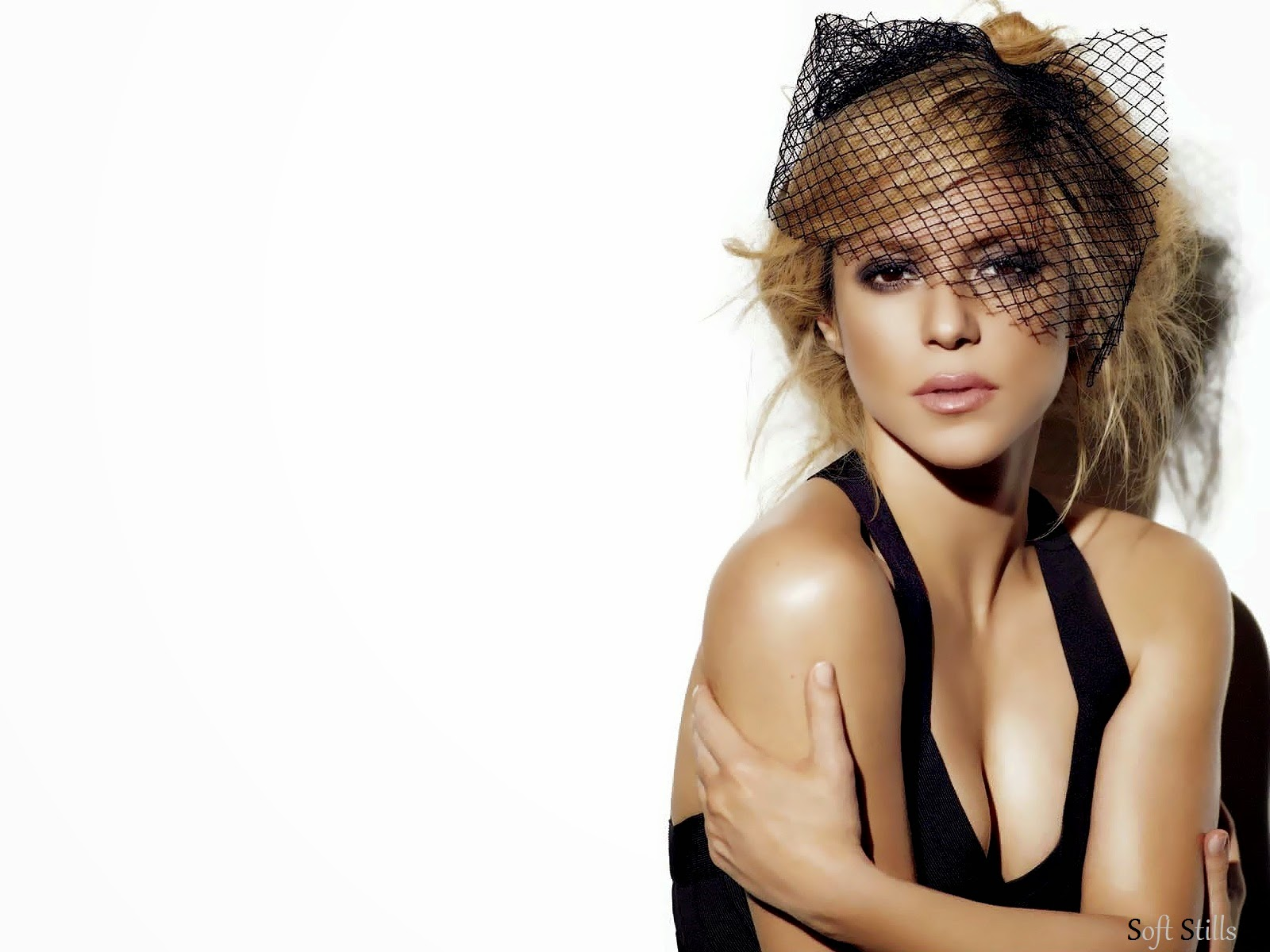 http://www.softstills.com/2014/11/shakira-isabel-mebarak-hd-wallpapers.html