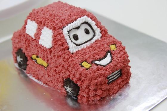 hình ảnh bánh kem hình xe hơi