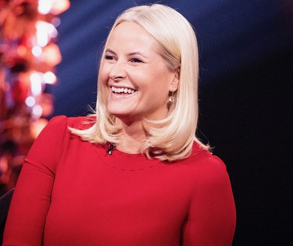 Crown Princess Mette-Marit wore Dolce & Gabbana red contrast-stitch cady dress. Princess Ingrid Alexandra at event of Church City Mission