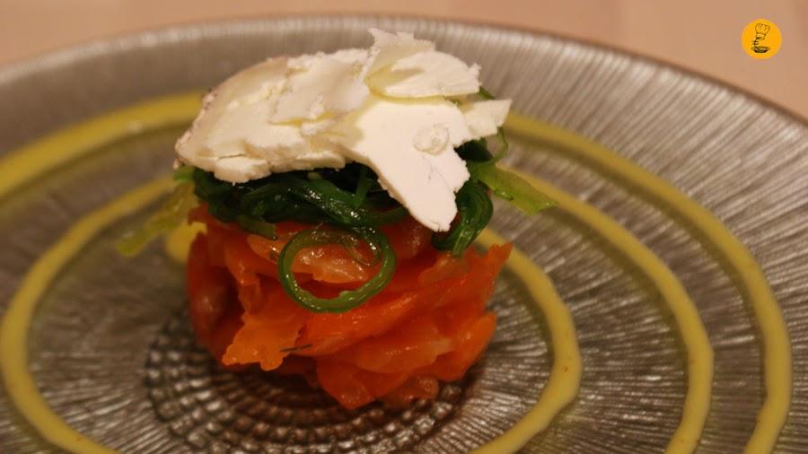 carpaccio de salmón con alga wakame y queso de cabra Bizikletak Madrid