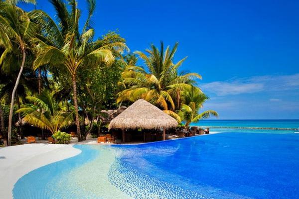 passion for luxury kuramathi island resort. Black Bedroom Furniture Sets. Home Design Ideas