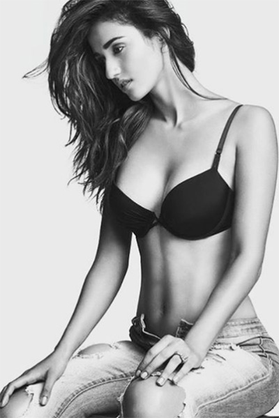 Disha Patani looking hot damn sexy ,actress and the model ,sexy picture collection