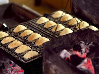 Cake tradisional yg cukup unik dan harus dicoba tiba dari kota kembang yg memang se Resep Kue Balok Khas Bandung Lengkap