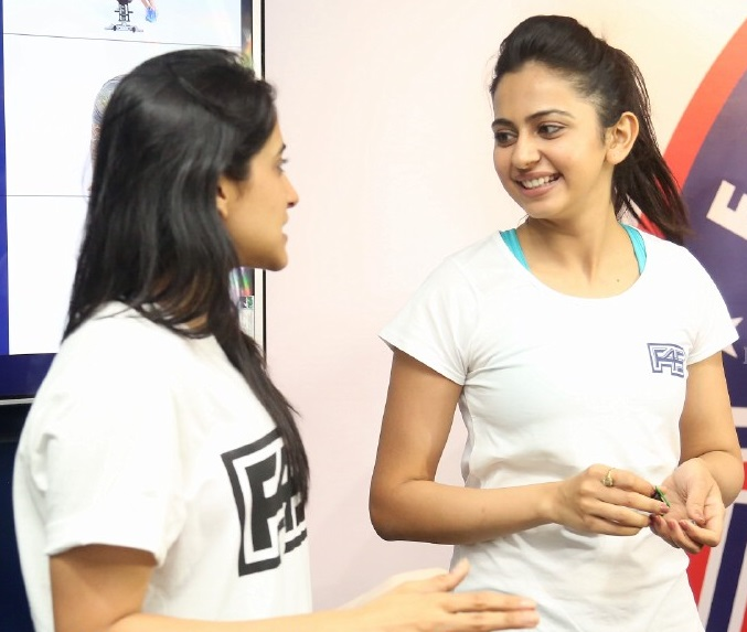 Rakul Preet Singh Funny Movement Photos In Gym