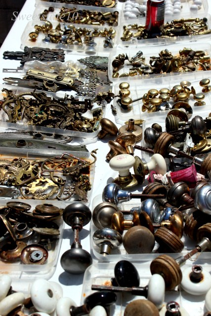 ANTIQUE KNOBS, DOOR HANDLES AND HARDWARE