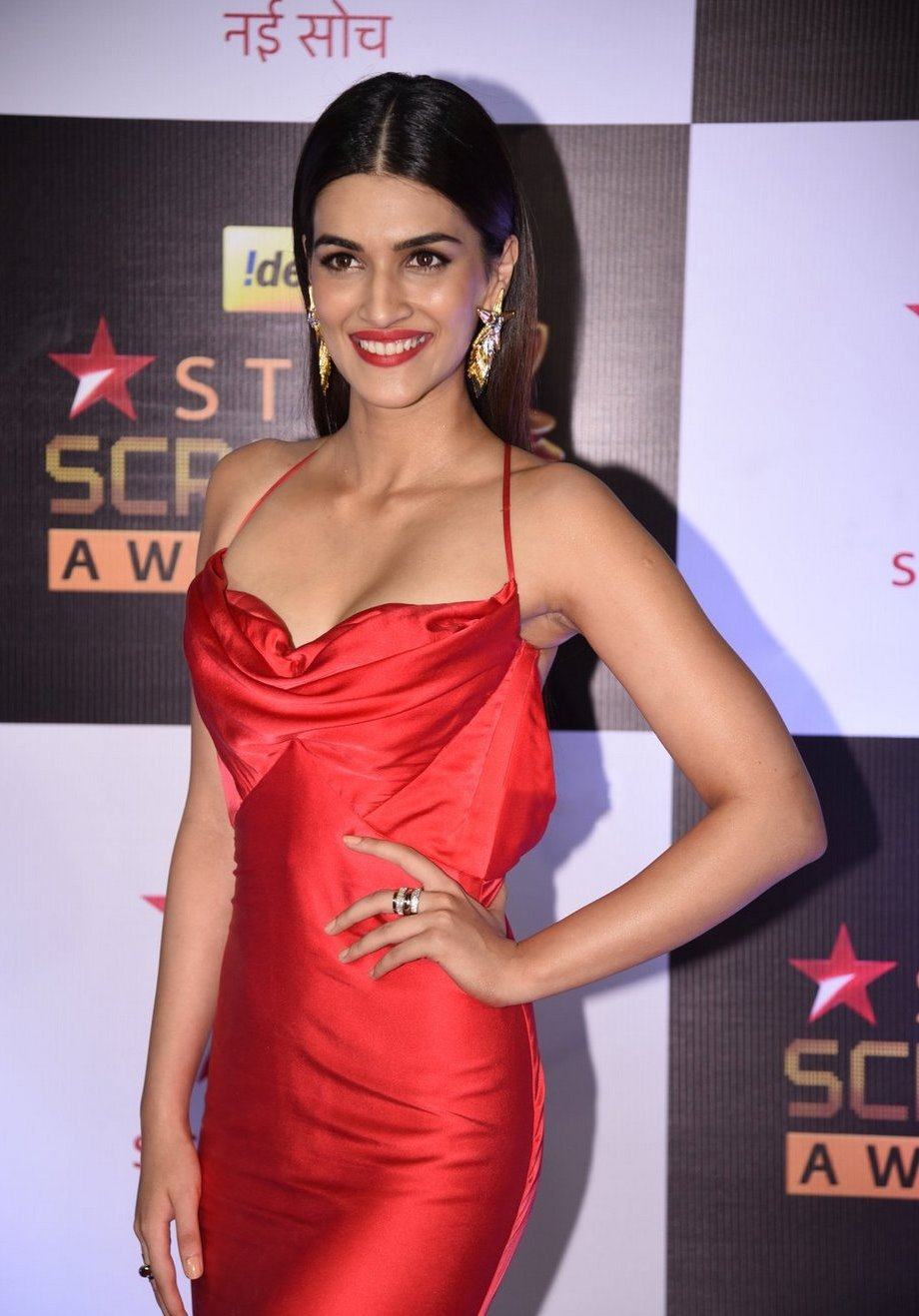 Kriti Sanon in red gown at Star Screen Awards