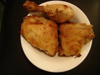 Pollo empanado con harina de maíz y mozarrella