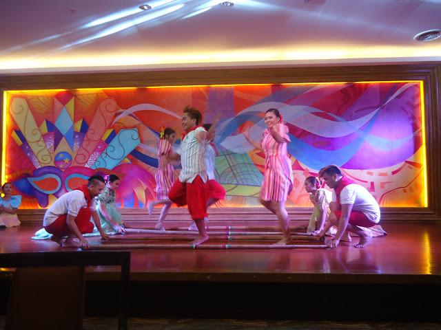 La Fiesta Buffet Cultural Dancers