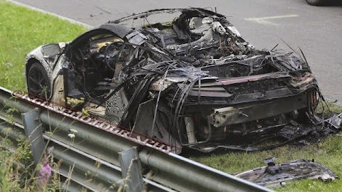 Nurburgring of fire....NSX Prototype burns to the ground