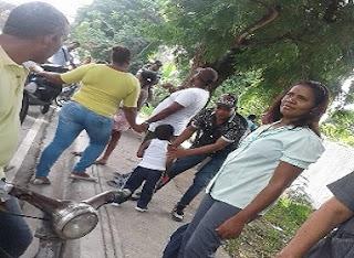 Comunitarios  de El Estero rechazan nombramiento de maestra procedente de Neyba