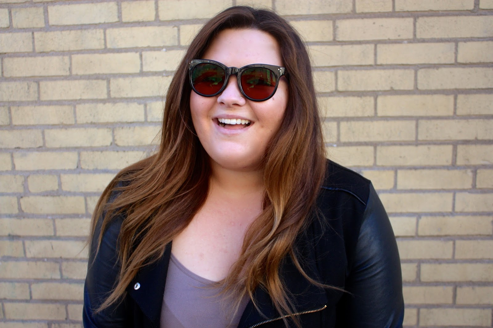 Natalie Craig, natalie in the city, chicago, chicago fashion blogger, plus size fashion blogger, sunglasses for fall, chic, cat eye, wayfarer, ray bans, plus size, firmoo, online glasses retailer, ombre hair, fatshion, happy, brown sunglass lenses, sunnies, shades, aviators