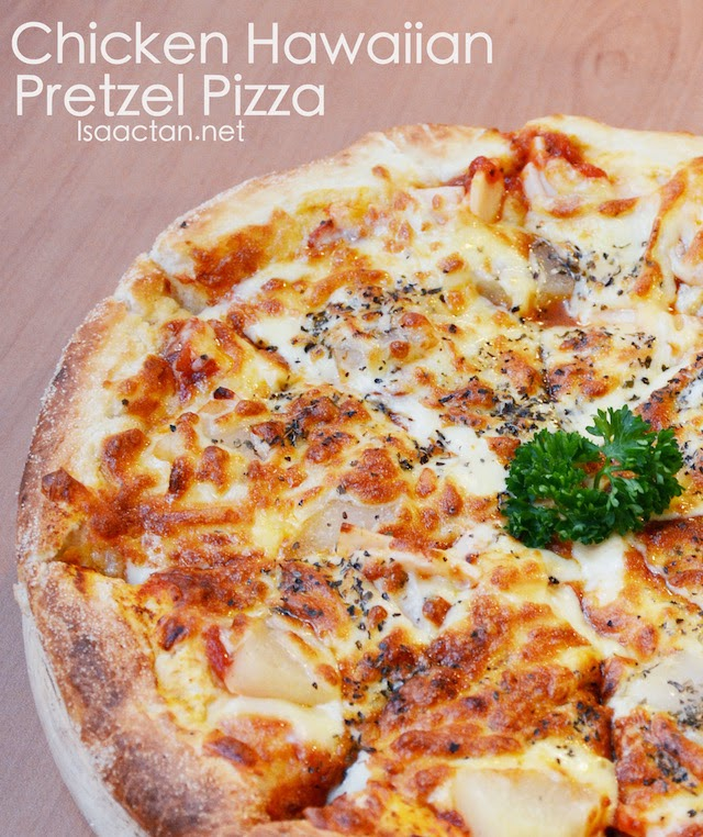 Chicken Hawaiian Pretzel Pizza - RM14.90 (small), RM20.90 (large)