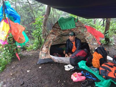 foto di dalam tenda