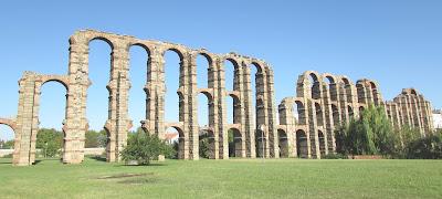 Acueducto de los Milagros; acueducto romano; Mérida; Badajoz; Extremadura; Vía de la Plata