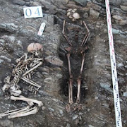 На берегу Малого моря обнаружено множество человеческих скелетов