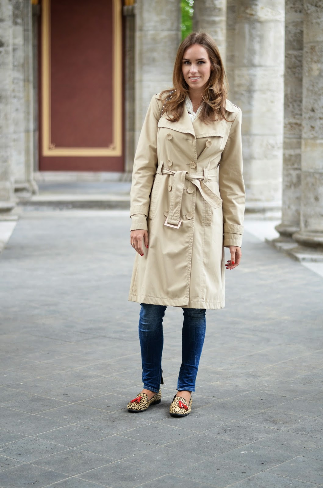 kristjaana mere street style spring outfit trench coat