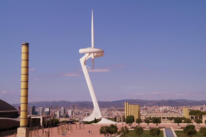 Barcelona Ausblick Montjuic Olympiastadion Travelguide