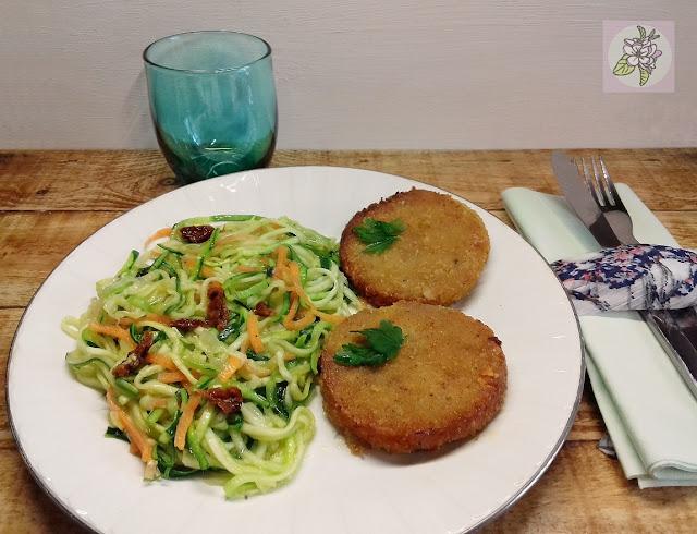 Hamburguesas de Lentejas Rojas con Espaguetis de Calabacin al Ajillo. Recetas Veganas.