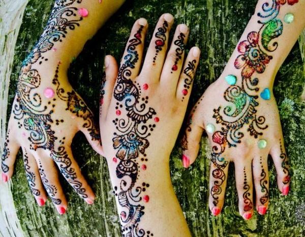 glitter-mehndi-designs-for-hands