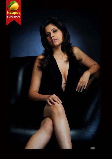 Sai Tamhankar In Black Bikini  Cute Marathi Actresses -6144