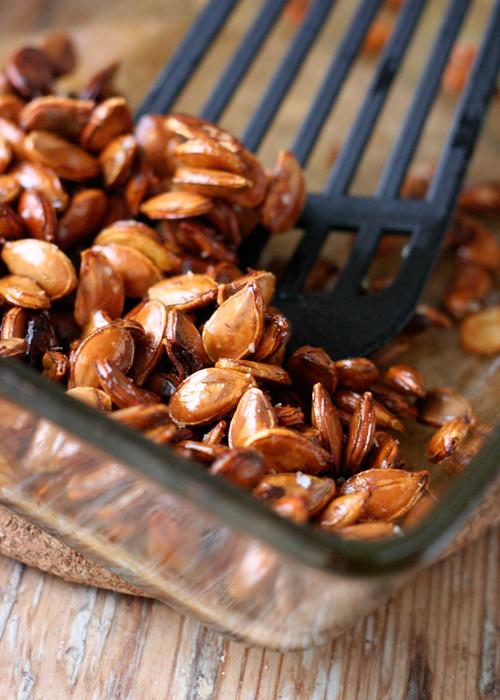 Knackige Kuerbiskerne mit Honig und Meersalz Rezept