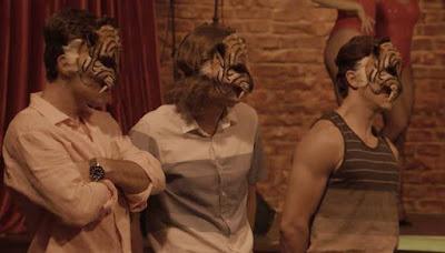 O trio Tigres Siberianos ensaia pela primeira vez em 'Verão 90' — Foto: Globo