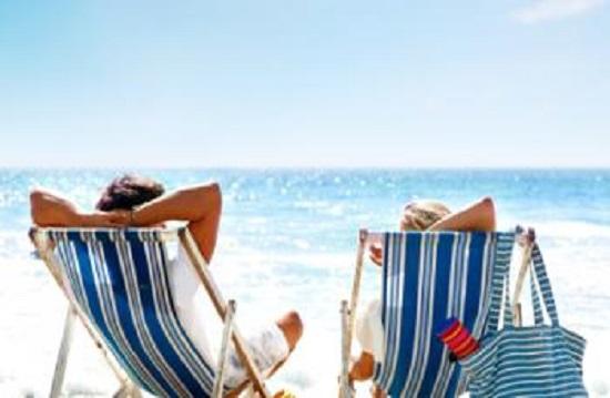 Κάμπινγκ ή σουίτα τι προτιμούν τα ζώδια για τις διακοπές τους;