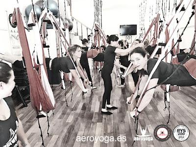 CURSO FORMACION AEROYOGA ARGENTINA YOGA COLUMPIO PILATES AEREO