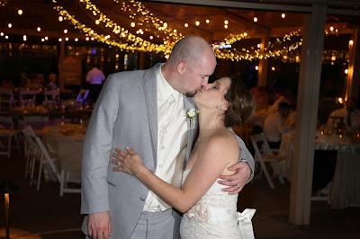 sanibel island bride and groom