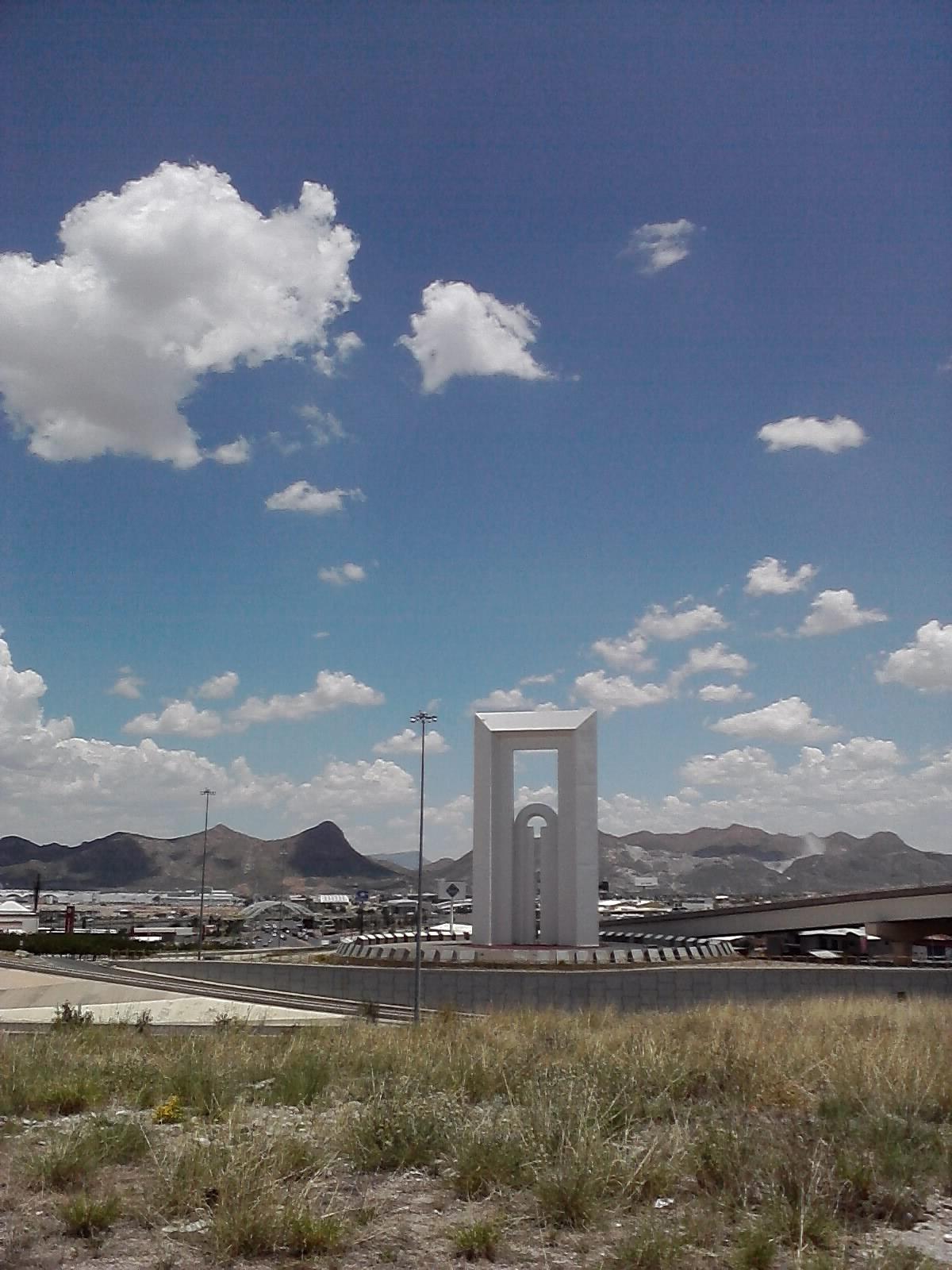 Bitacoraoscar las esculturas publicas de la ciudad de Obras puerta del sol