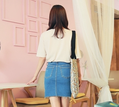 Raw High-Low Hem Rugged Denim Mini Skirt