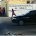 Mulher encontra delegacia fechada e apedreja prédio no interior da PB