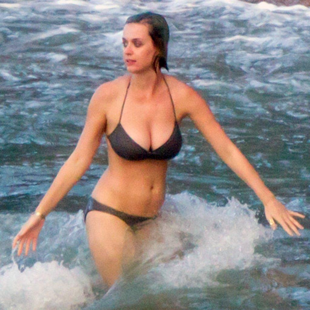 Katy Perry Nude Beach Pics