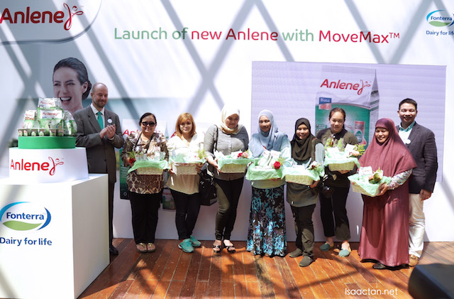 All mothers were rewarded with Anlene MoveMax during the event