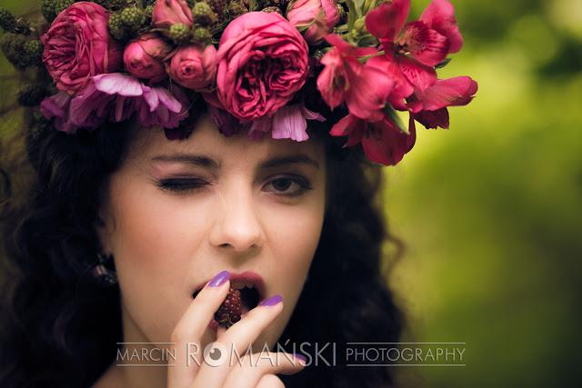 Fioletowy makijaż ślubny