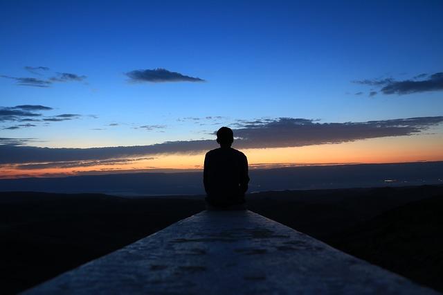 Cara Hidup Di Saat Ini Tanpa Memikirkan Masa Lalu Dan Masa Depan