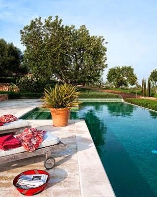 En estado de rachel alg n d a casa con piscina for Bricomania piscina