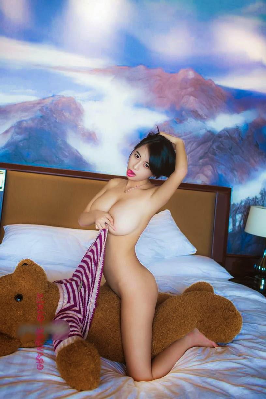 Huang Ke hot porn photos vid. Him