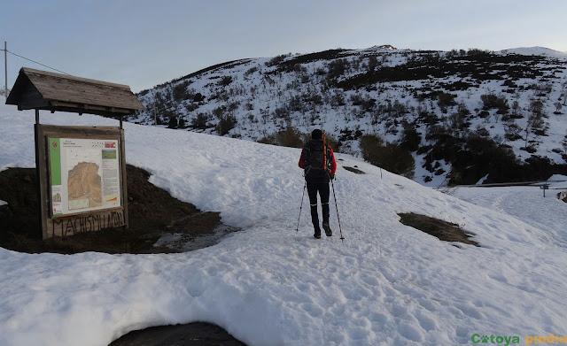 Iniciamos la ruta por el Camino de Wamba.