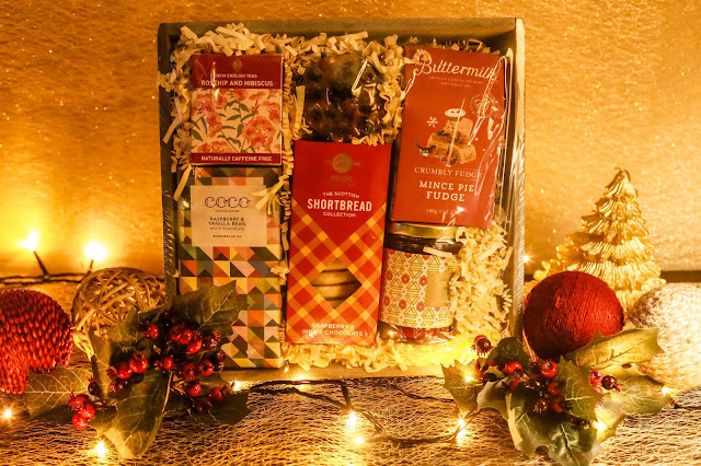 This afternoon tea hamper by Dobbies is the perfect gift for mums and the whole family