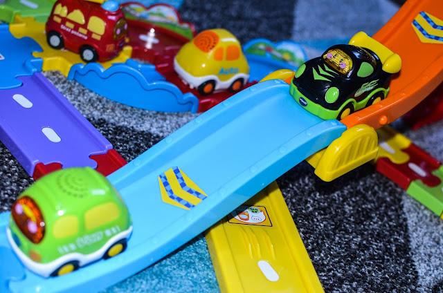 Interaktywne zabawki - dla roczniaka, dwulatka i trzylatka