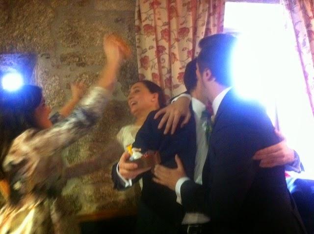 de una boda sale otra